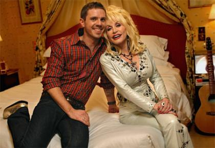 Jake Shears y Dolly Parton