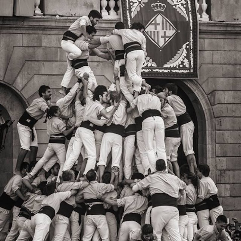beso entre dos castellers